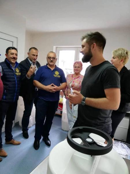"""Un aparat medical autoclav a fost pus în funcţiune la Spitalul Orăşenesc """"Doctor Alexandru Borza"""" din Abrud (foto)"""