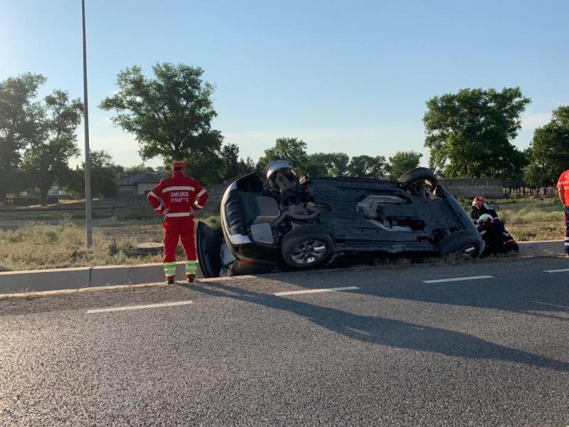 Săliștea – Doi minori au fost răniți! Autoturismul în care erau s-a răsturnat în afara carosabilului