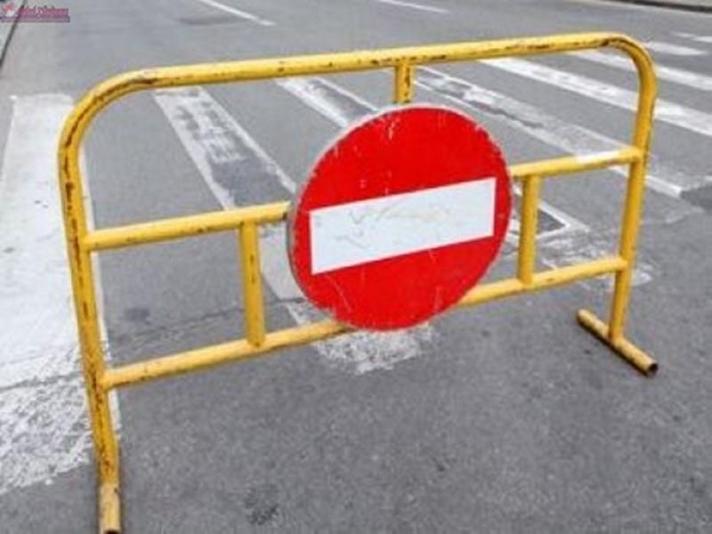 Atenție șoferi! Cu ocazia desfășurării evenimentelor dedicate Zilei Naționale a României de la Alba Iulia se restricționează circulația rutieră în municipiu