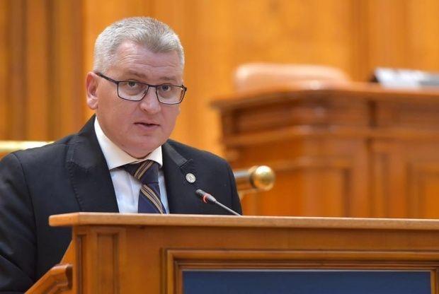 """Florin Roman, liderul deputaților PNL: """"Guvernul Orban a alocat 400.000 lei pentru ziua națională de la Alba Iulia"""""""