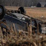 Sebeș - Un șofer beat s-a răsturnat cu mașina în afara carosabilului