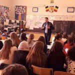 Violența domestică, tema discuțiilor avute de reprezentanții IPJ Alba cu adolescenții din Sebeș și Săsciori