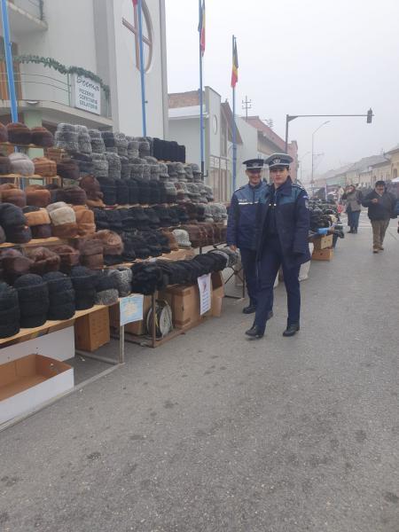 Misiune a angajaților IPJ Alba la Blaj, pentru siguranța cetățenilor care participă la Târgul Căciulilor