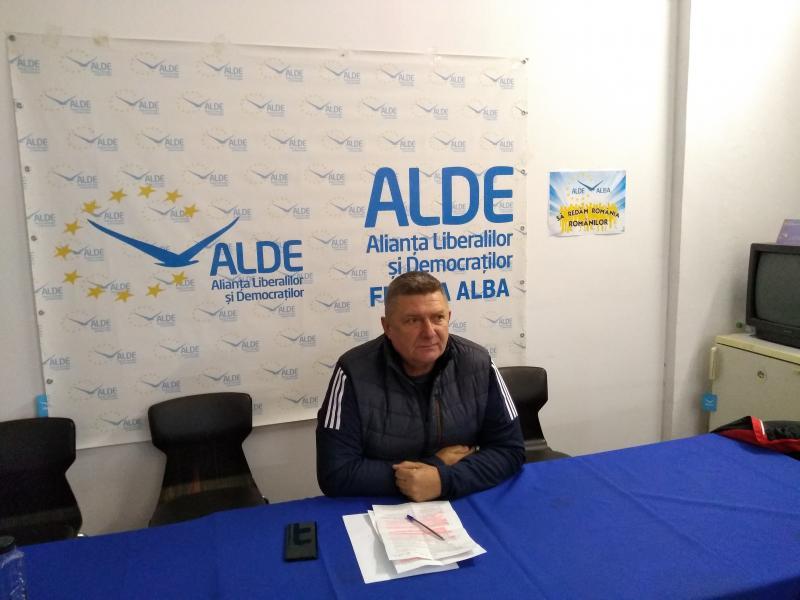 """Ioan Lazăr, președinte ALDE Alba:""""Creșterea alocațiilor pentru copii, o șicanare între PNL și PSD"""""""