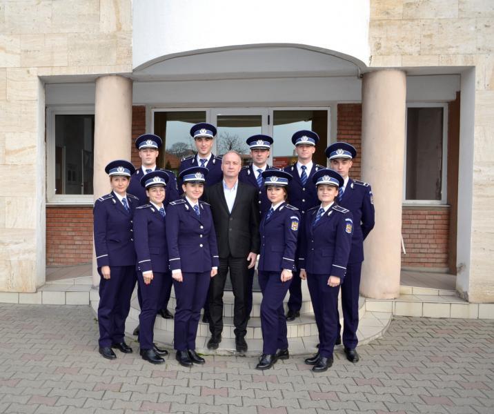 10 absolvenți ai școlilor de poliție și-au început activitatea la IPJ Alba
