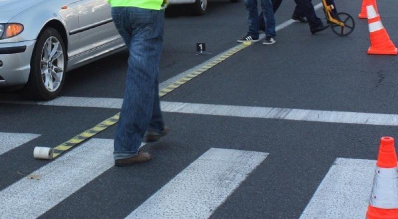 Petrești – O șoferiță neatentă a lovit cu mașina două femei care traversau strada pe trecerea de pietoni