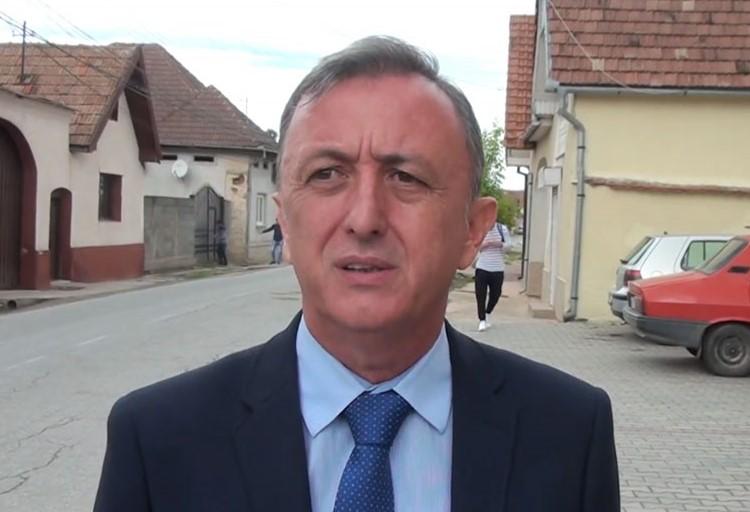 """Invitatul emisiunii """"La ordinea zilei"""" de la radio HIT FM Alba, 88,6 FM, Marin Petruse, primarul comunei Pianu"""