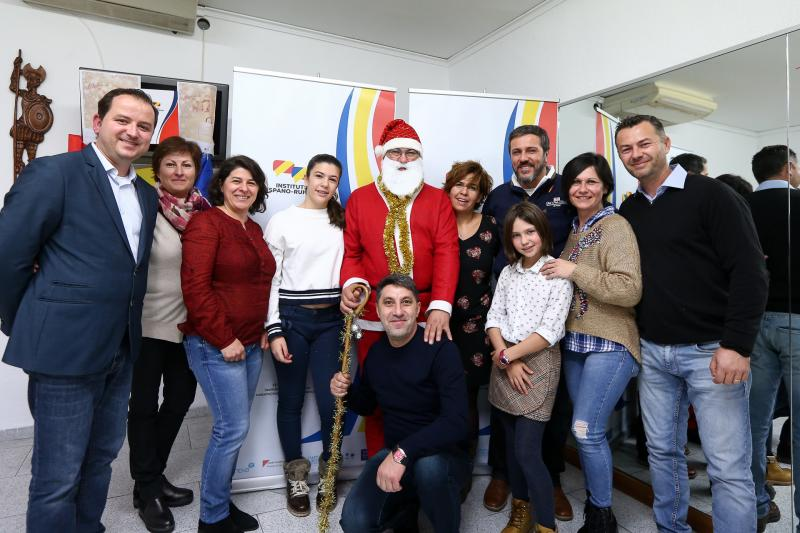 """""""Atelierul lui Moș Crăciun"""", un eveniment organizat de Institutul Hispano Român din Castellon, Asociația Dacia Rivoli și L&D Multicultural Centre Liverpool"""