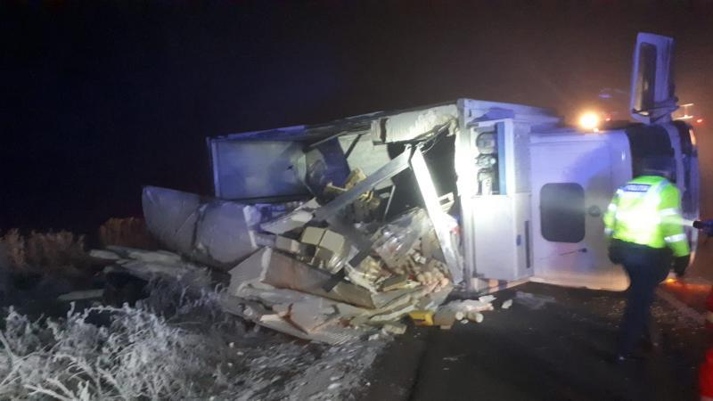 Accident rutier – O cisternă care transporta lapte s-a răsurnat la Lunca Mureșului (foto)