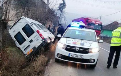 Accident rutier soldat cu 5 răniți pe DJ 107 F, pe raza localității Lunca Mureșului
