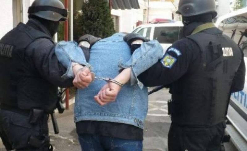 Peste 3000 de persoane urmărite la nivel național au fost prinse de Poliția Română în primele 11 luni ale anului trecut