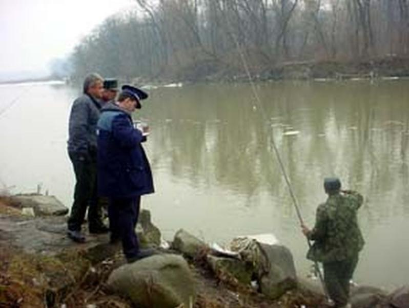 Ocna Mureș – Pescar prins în timp ce folosea neautorizat unelte de pescuit comercial