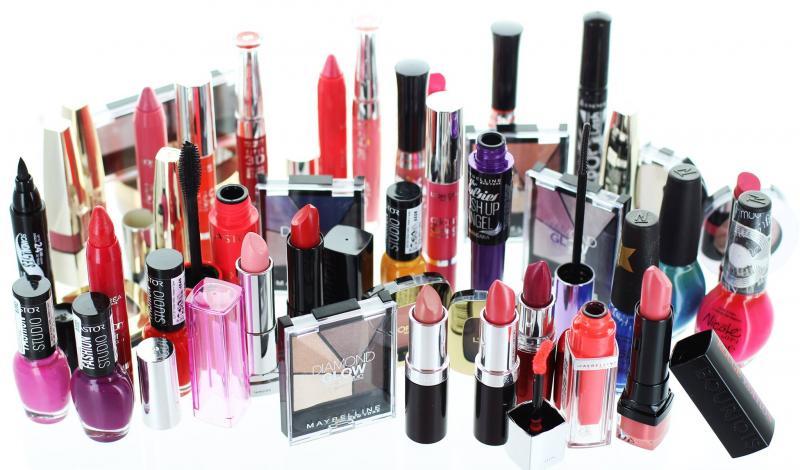 Idei de produse cosmetice si sfaturi care te  pot ajuta sa iti rasfeti pielea in fiecare zi
