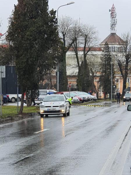 O persoană a reclamat la poliție că a fost victima unui accident produs la intersecția dintre piața Iuliu Maniu și strada Ardealului din Alba Iulia (foto)