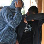 Tineri din Roșia de Secaș reținuți pentru lipsire de libertate și lovire sau alte violențe