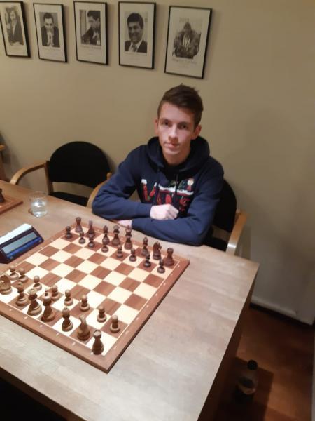 Albaiulianul Mihnea Costachi, locul 2 la o competiție șahistă desfășurată în Norvegia
