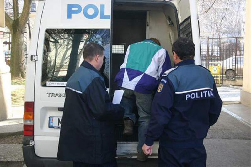 Tânăr din Aiud, reținut de polițiști pentru amenințare și nerespectarea hotărârii judecătorești