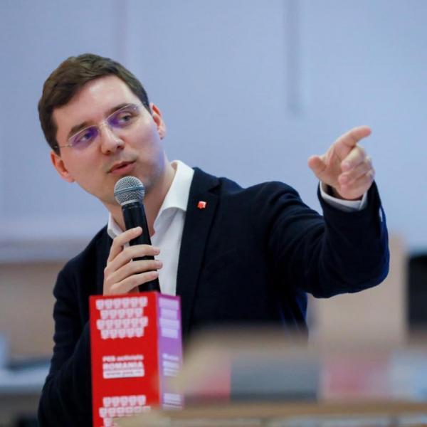 Europarlamentarul Victor Negrescu și-a redeschis biroul din Alba Iulia