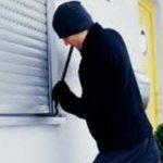 Sebeș - Hoț de apartamente, prins în flagrant de polițiști