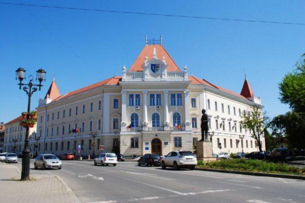 Posible cazuri de infectare cu COVID - 19 la Consiliul Județean Alba ascunse de autorități