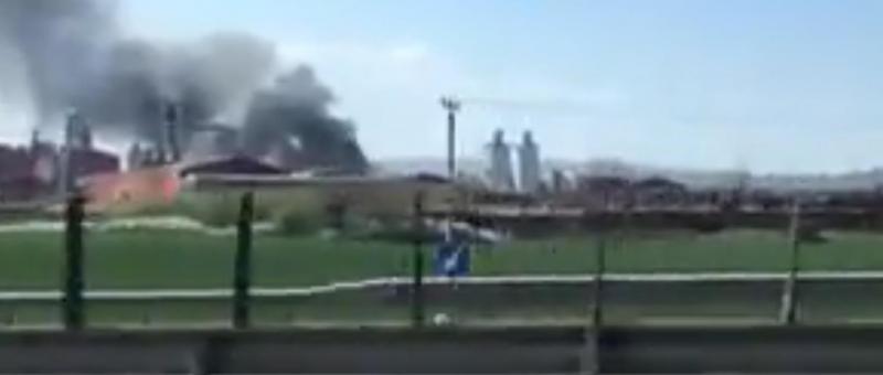 INCENDIU izolat la o fabrică  din Sebeș. A luat foc o bandă transportatoare!