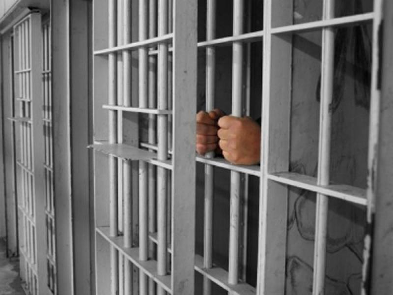 Posesor al unui mandat de executare a pedepsei închisorii, prins și escortat la   Penitenciarul Aiud