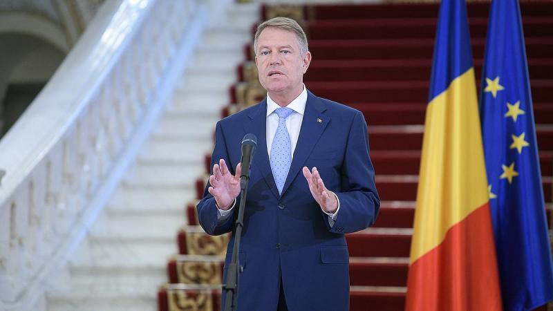 """Klaus Iohannis:""""Perspectiva unei evoluții ciclice a virusului obligă statul român să continue măsurile pentru gestionarea unei asemenea crize pe multiple planuri!"""""""