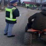 Tânăr în stare de ebrietate și fără carnet de conducere surprins pe un ATV de polițiștii rutieri pe raza localității Bucerdea Vinoasă