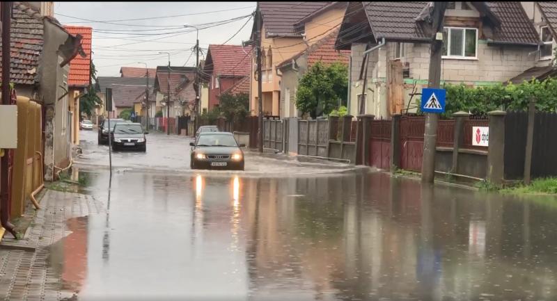 """Beniamin Teodosiu, președinte USR Alba:""""Strada Siretului, cartier Maieri sau mica Veneție din Alba Iulia când este o ploaie mai zdravănă"""""""