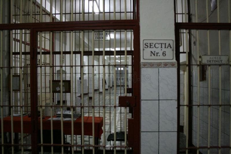 Bărbat din comuna Avram Iancu condamnat la 5 ani de închisoare a fost reținut și dus la penitenciar