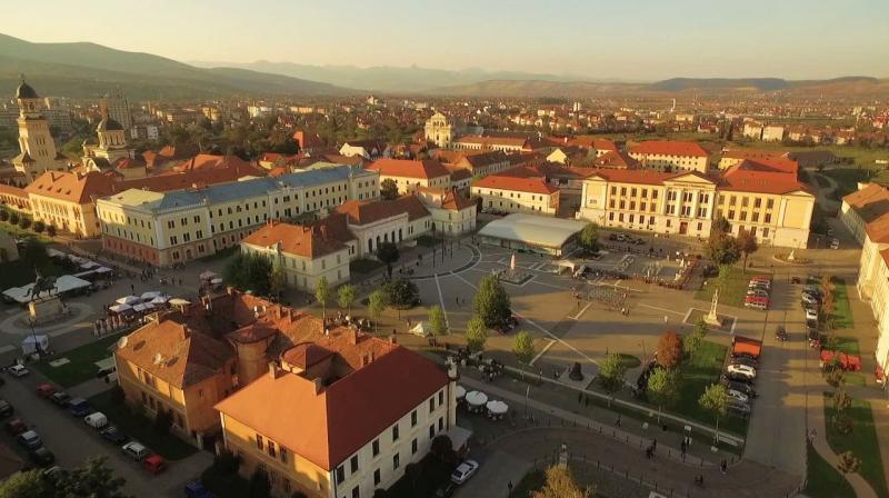 Pe timpul verii, în Piața Cetății din Alba Iulia vor avea loc spectacolele în aer liber!