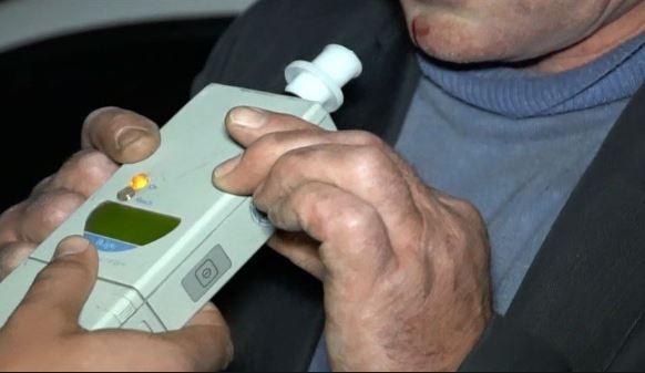 Craiva – Bărbat cercetat penal pentru conducere sub influența alcoolului și conducere fără permis