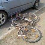 Biciclist acroșat de un autoturism pe Șoseaua de Ocolire a Municipiului Alba Iulia