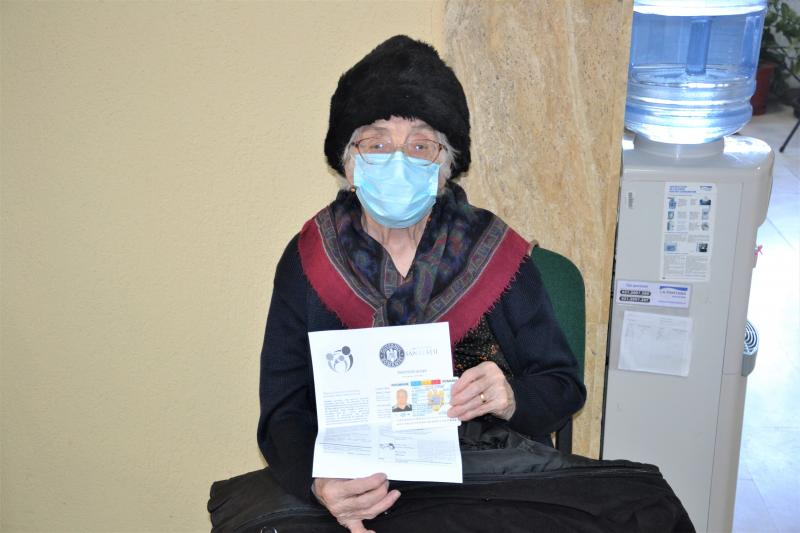 Cea mai vârstnică persoană vaccinată luni la Blaj, o femeie de 91 de ani!