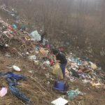Mai bine de trei camioane de deșeuri au fost adunate de la Gârbova de Jos
