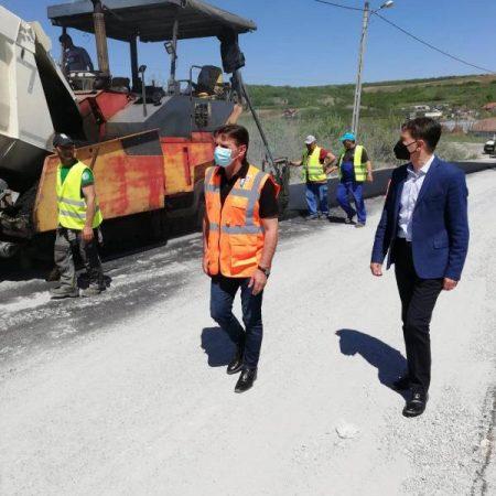 Au început asfaltările pe Transalpina de Apuseni, cel mai spectaculos drum județean din Alba