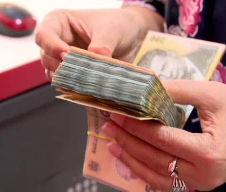 Vezi AICI câți bani au cheltuit partidele politice în primele trei luni ale anului 2021!