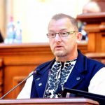 """Călin Matieș: """"Doliu național: a trecut în Senat legea vânzării ultimelor bucăți de România!"""""""