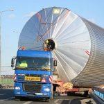 Trafic îngreunat pe mai multe artere rutiere din cauza unui transport agabaritic