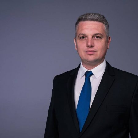 """Radu Cristian:""""Haosul guvernării PNL – USR: Românii plătesc cel mai mare preț din UE pentru electricitate"""""""